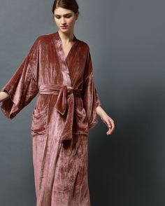 This sumptuous long gown with traditional kimono sleeves is a luxe nightwear choice. In a fluid silk and viscose velvet, this is cosy and stylish in equal measure! Mode Simple, Printed Gowns, Velvet Fashion, Gowns With Sleeves, Nightwear, Night Gown, Lounge Wear, Style Inspiration, Fashion Outfits