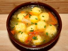 Cheese Dumpling Chicken Soup: A Step-by-Step Recipe- Cheese dumplings give this dish a special taste and aroma. Sometimes green peas are added to such a soup to make it more nutritious and nutritious. Soup Recipes, Vegetarian Recipes, Cooking Recipes, Healthy Recipes, Good Food, Yummy Food, Hungarian Recipes, Soups And Stews, Indian Food Recipes