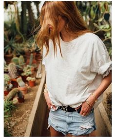Maja Wyh wearing REPLAY Destroyed Denim Shorts. Check out the Shorts here: http://www.replayjeans.com/ch/shop/product/femme/shorts/short-en-jean-avec-d-chirures/pc/48/c/142/sc/-1/2897 #replay #replaygermany #shorts #denimshorts #majawyh