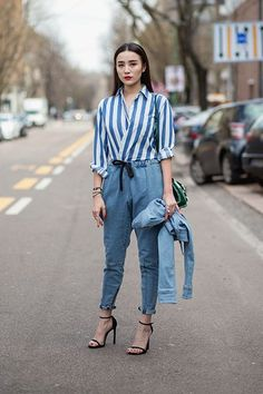 To give your oversized shirts some shape, try this wrap technique. #refinery29 http://www.refinery29.com/quick-styling-tricks#slide-3