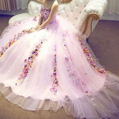Image discovered by ♡ K A T I A ♡. Find images and videos about dress on We Heart It - the app to get lost in what you love. The Dress, Pink Dress, Gown Party Wear, Nice Dresses, Girls Dresses, Stylish Dresses, Purple Gowns, Wedding Dress Patterns, Bridesmaid Dresses