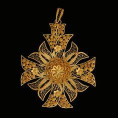'Cruz de Malta ou Estrela' Malta's Cross or Star Filigree cross, ornamented with…