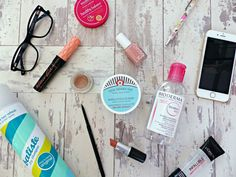 The Career Girl's Guide to Beauty | A Quick, Natural, Long-Lasting Routine, Tips & Handbag Essentials  http://www.jasminetalksbeauty.com/2015/09/the-career-girls-guide-to-beauty-quick.html  #bbloggers #bblogger #beautyblogger #makeup #skincare #haircare #bodycare