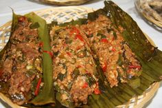 Please visit http://icooking.info/indonesian-recipes-pepes-oncom/ to see the recipes