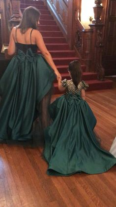 Mommy & Me, daughter, dress, skirt, couture, Itty Bitty Toes, Mother, ittybittytoes, parent, fashion, matching Kids Prom Dresses, Little Girl Dresses, Ball Dresses, Ball Gowns, Wedding Dresses, Mother Daughter Fashion, Mother Daughter Dresses Matching, Bolo Laura, Kids Dress Patterns