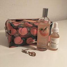 - Make Up Brush - Perfume Beauty Care, Beauty Skin, Beauty Makeup, Makeup Tumblr, Peach Aesthetic, Just Peachy, Cute Makeup, Kawaii Makeup, Aesthetic Makeup