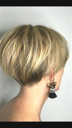 Gray Wigs African Americans Black Hair To White Hair Shampoo To Take Away Grey Hair - Hair - Haare und Make-up Pixie Bob Haircut, Short Pixie Haircuts, Short Hairstyles For Women, Hairstyles Haircuts, Haircut Short, Pixie Bob Hairstyles, Undercut Short Bob, Short Stacked Bob Haircuts, Short Stacked Hair