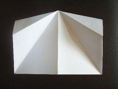 Papierflieger Faltanleitung 3