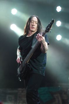 John Myung!!! Photo (C) Toni François