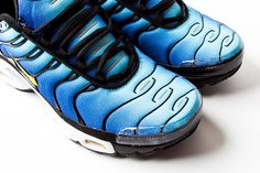 NIKE AIR MAX PLUS 'HYPER BLUE' Back in 1998 during a super techsperimental sneaker era, Nike dropped an atomic sneaker bomb in the form of the Air Max Plus, also known on the street as the TN or Tuned 1. With its teched-out kinetic design harnessing an all-new cushioning system, the TN rang a bell …