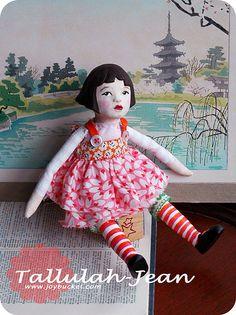 Tallulah Jean sitting |  by joybucket.com via flickr