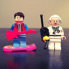 """That's the power of love""  #lego #legophotography #legos #legostagram #legominifigures #backtothefuture #martymcfly #docbrown #hoverboard #legomania #legogram by thelegobrickguy"