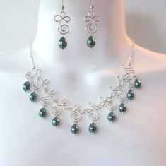 Love wire loops-- Wire Work Spiral Drops - must recreate