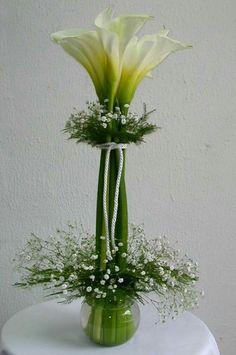Ideas for flowers arrangements simple diy calla lilies Ikebana, Deco Floral, Floral Design, Fresh Flowers, Beautiful Flowers, Unique Flowers, Diy Flowers, Wedding Centerpieces, Wedding Decorations