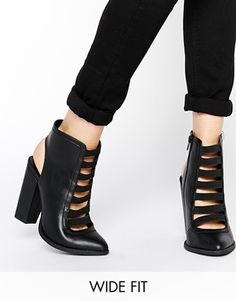 New Look Wide Fit Edgy Multi Strap Boots