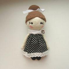 Amigurumi little lady doll crochet pattern free
