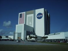 Space shuttle assembly building at Cape Kennedy, Florida, USA. Largest single-story building in the world.