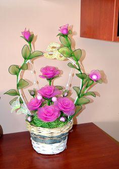 Easter Flower Arrangements, Easter Flowers, Diy Flowers, Fabric Flowers, Ribbon Crafts, Flower Crafts, Flower Art, Recycled Crafts, Diy And Crafts