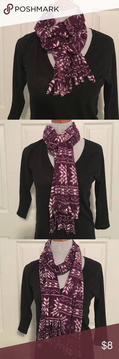 Purple Snowflake Scarf Purple and white snowflake scarf from old navy. Never worn, perfect condition. Super warm and soft, great for fall/winter! Old Navy Accessories Scarves & Wraps