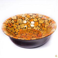 This wooden bowl with real dried petals is a work of art! Find it in our Amazon store / Este bowl de madera con pétalos secos ¡es toda una obra de arte! Consíguelo en nuestra tienda de Amazon