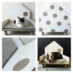 Cuccia di design in legno per gatti e cani di labottegadigiorgix Small Dogs, Taupe, Toddler Bed, Kids Rugs, Design, Etsy, Furniture, Vintage, Home Decor