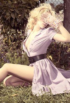 """""""Scarlett Johansson - Sheryl Nields photoshoot for Esquire Magazine Nov 2006 issue """""""