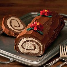 Bûche de Noël - Bake A Yule Log Cake For Christmas #desserts #holiday #recipes