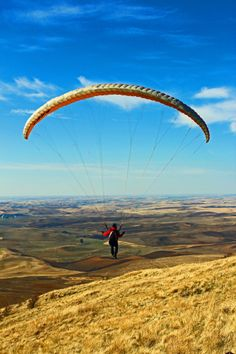 Paragliding at Steptoe Butte State Park in Washington State. Would you do it?