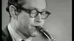 The One and Only Dave Brubeck Quartet and My Favorite Jazz Song of All Time.Paul Desmond wrote Take Five NOT Dave Brubeck Sound Of Music, Music Love, My Music, Jazz Artists, Jazz Musicians, Connecticut, Concord, Dave Brubeck, Smooth Jazz