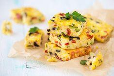 Cuketová omeleta Best Frittata Recipe, Frittata Recipes, Omelettes, Quiche Sin Gluten, Tofu Burger, Veggie Frittata, Leftover Rice, Stuffed Mushrooms, Stuffed Peppers