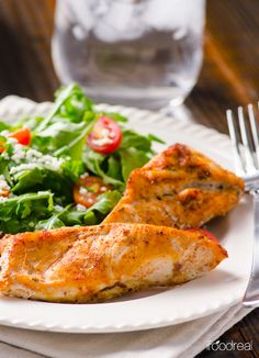 Baked Cajun Chicken Recipe -- Oven baked chicken breasts with homemade cajun spice seasoning. Perfect for quick healthy dinner and meal preps.