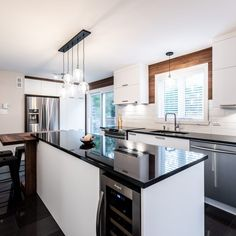 049 - Simard Cuisine et Salle de bains Cuisines Design, Creative Home, Sweet Home, Kitchens, Design Moderne, Home Decor, Kitchen, Dark Granite Kitchen, Kitchen Armoire