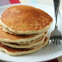 Serve these delicious fluffy gluten free pancakes with syrup - yum! Fluffy Gluten Free Pancake Recipe, Best Pancake Recipe Ever, Dairy Free Pancakes, Lactose Free Milk, Great Recipes, Favorite Recipes, Best Food Ever, No Sugar Foods, Food Reviews