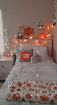 Halloween Room Decor, Fall Halloween, Halloween Decorations, Fall Bedroom Decor, Fall Home Decor, Cute Room Ideas, Cute Room Decor, Autumn Room, Cute Fall Wallpaper