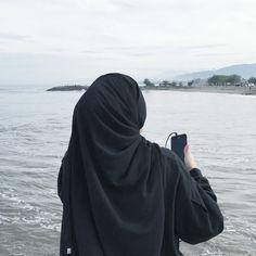 Niqab Fashion, Modern Hijab Fashion, Muslim Fashion, Hijab Niqab, Muslim Hijab, Mode Hijab, Arab Girls Hijab, Muslim Girls, Muslim Women