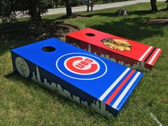 https://flic.kr/p/VerSPg | Chicago skyline Harry Caray and the Tomahawk painted on the sides of this cornhole design set | Personal custom cornhole bad ass boards