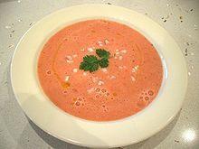 Гаспа́чо (исп. gazpacho) — блюдо испанской кухни («средиземноморской диеты»), холодный суп из перетёртых или пюрированных сырых овощей, прежде всего помидоров. Кроме них, в состав гаспачо входят оливковое масло и чеснок, огурец, сладкий перец, лук, уксус или лимонный сок, соль и могут быть добавлены пряности и хлеб.