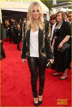 Kat Dennings & Kaley Cuoco - Grammys 2013 Red Carpet