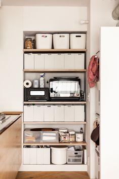 奥さまによって整えられたキッチン横の収納。MUJIの収納用品を活用して、すっきりさせている。 #I様邸検見川浜 #パントリー #収納 #整理 #キッチン #ダイニング #インテリア #EcoDeco #エコデコ #リノベーション #renovation #東京 #福岡 #福岡リノベーション #福岡設計事務所 Shoe Rack, Entryway, House Design, Storage, Inspiration, Furniture, Home Decor, Entrance, Purse Storage
