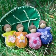 Forest Fairy Crafts - A whole page of cheap homemade toy ideas