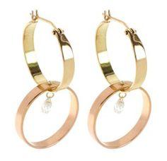Boucles d'oreilles Inez & Vinoodh http://www.vogue.fr/joaillerie/shopping/diaporama/tendance-bijoux-croles-double-or-et-argent/24455#boucles-doreilles-inez-vinoodh