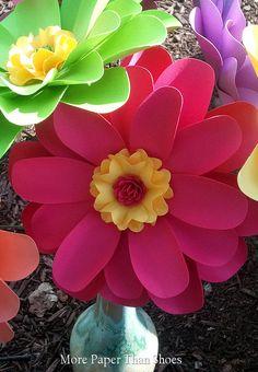 Papel flores decoración para el hogar por morepaperthanshoes