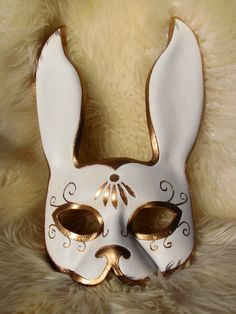 Items similar to Distressed Leather Splicer inspired Rabbit Mask - Bioshock Cosplay Mask - Masquerade Mask on Etsy Bioshock, Kitsune Maske, Costume Venitien, Bunny Mask, Cool Masks, Leather Mask, Masquerade Ball, Masquerade Costumes, Venetian Masks