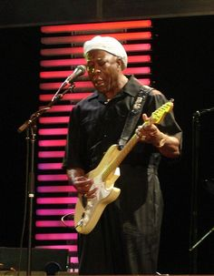 Buddy Guy. A great showman. My favourite blues legend.