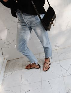 Nili Lotan lace-up jumper, Citizens of Humanity jeans, Madewell sandals & Chloé faye bag. Via Mija