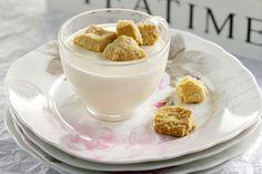 Μπαβαρουάζ γιαουρτιού µε τραγανό µπισκότο µε αµύγδαλο και σουσάµι - Συνταγές | γλυκές ιστορίες