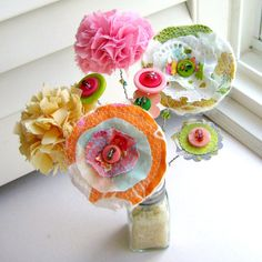 easy scrap fabric flowers - cute for the girls' clothing or hair