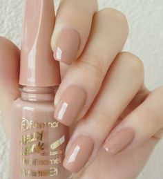 Here's what you can do or advise to ensure your clients have perfect nails. Neutral Nails, Nude Nails, My Nails, Stylish Nails, Trendy Nails, Nail Art Designs, Manicure Y Pedicure, Best Acrylic Nails, Nail Swag