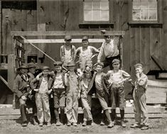 1910 - Alton - Illinois - These boys are all working in the Illinois Glass Company