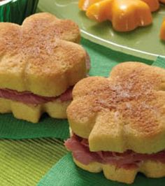 Corned beef #shamrock sandwiches :) #StPatricksDay treats @Wilton Cake Decorating